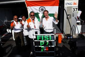 Dr. Vijay Mallya, Force India F1 Team Owner and Michiel Mol, Force India F1 Team Co-Owner celebrate second position for Giancarlo Fisichella, Force India F1