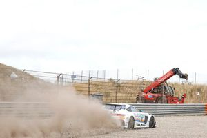 #20 Team Zakspeed BKK Mobil Oil Racing Mercedes-AMG GT3: Kim-Luis Schramm, Nicolai Sylvest thrugh the gravel