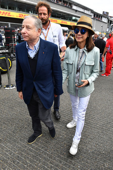 Jean Todt, FIA President and wife Michelle Yeoh, on the grid