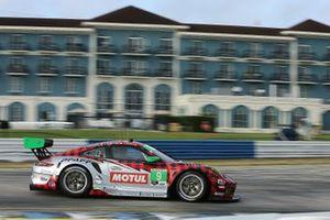 #9: PFAFF Motorsports Porsche 911 GT3R, GTD: Zacharie Robichon, Laurens Vanthoor, Lars Kern