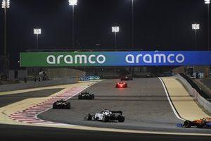 Daniel Ricciardo, Renault F1 Team R.S.20, Esteban Ocon, Renault F1 Team R.S.20, and Pierre Gasly, AlphaTauri AT01