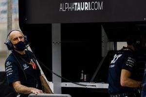 Franz Tost, Team Principal, AlphaTauri, sur le muret des stands