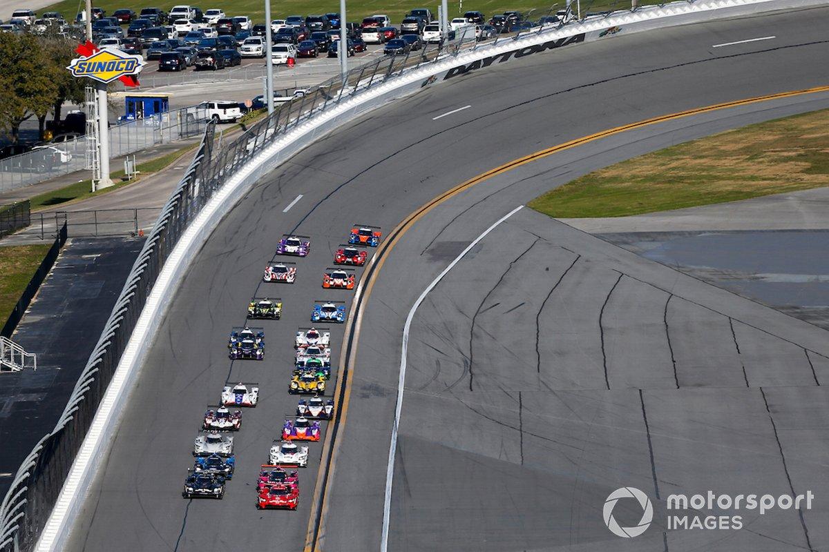 #31 Action Express Racing Cadillac DPi: Chase Elliott, Felipe Nasr, Pipo Derani, Mike Conway, lidera en la salida