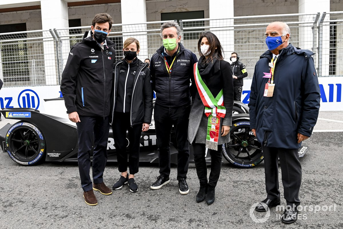 Toto Wolff, director ejecutivo de Mercedes AMG, Susie Wolff, Team Principal de Venturi, Alejandro Agag, presidente de la Formula E, la alcaldesa de Roma Virginia Raggi