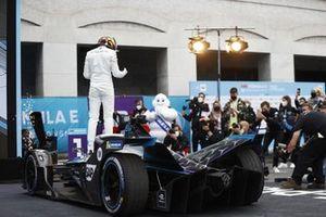 Stoffel Vandoorne, Mercedes-Benz EQ, celebrates in parc ferme