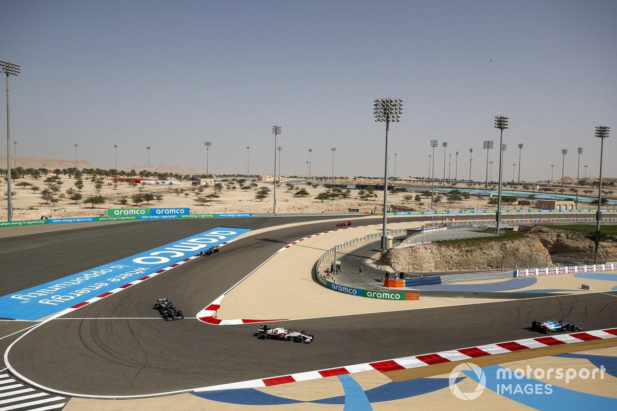 Esteban Ocon, Alpine A521, Antonio Giovinazzi, Alfa Romeo Racing C41, Yuki Tsunoda, AlphaTauri AT02 y Lance Stroll, Aston Martin AMR21