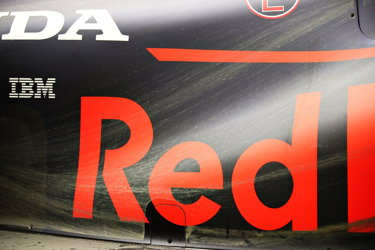 Detalle lateral del Red Bull Racing R16