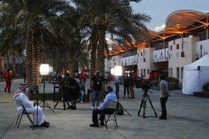 HRH Prince Salman bin Hamad Al Khalifa est interviewé