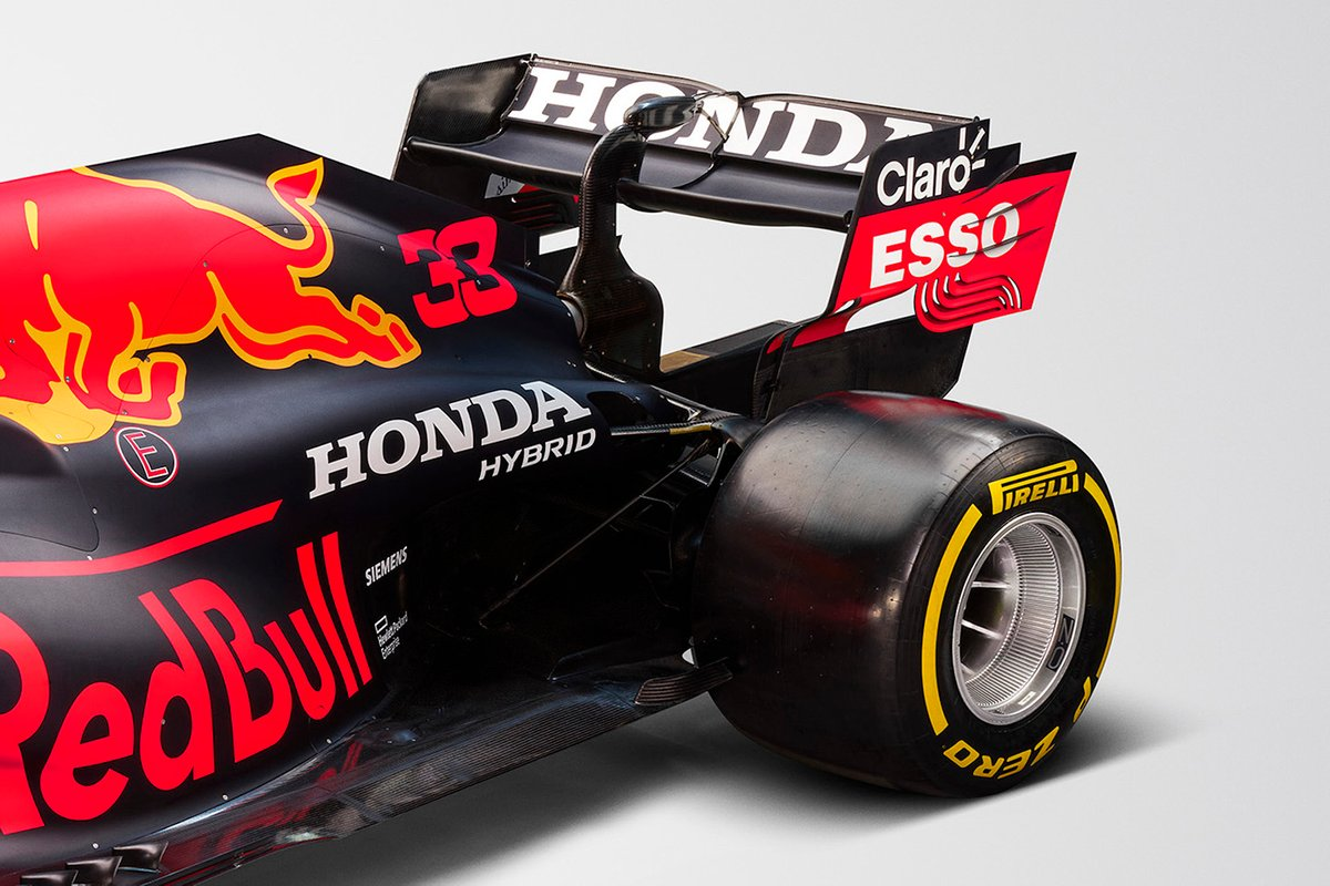 Red Bull Racing RB16B arka kanat detayı