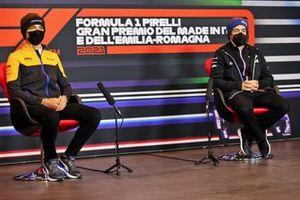 Lando Norris, McLaren, Fernando Alonso, Alpine F1 en la conferencia de prensa