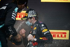 Race Winner Max Verstappen, Red Bull Racing celebrates on the podium with the champagne