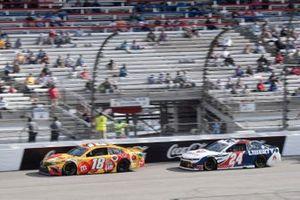 Kyle Busch, Joe Gibbs Racing, Toyota Camry M&M's Red Nose Day, William Byron, Hendrick Motorsports, Chevrolet Camaro Liberty University