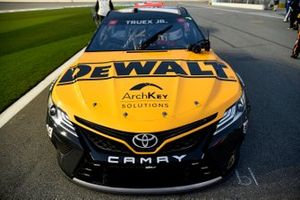 Martin Truex Jr., Joe Gibbs Racing, Toyota Camry DeWalt