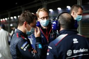 Robin Frijns, Envision Virgin Racing, and Sylvain Filippi, Managing Director, Envision Virgin Racing, on the grid