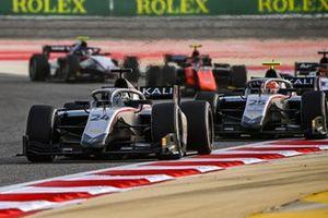 Nikita Mazepin, Hitech Grand Prix leads Luca Ghiotto, Hitech Grand Prix