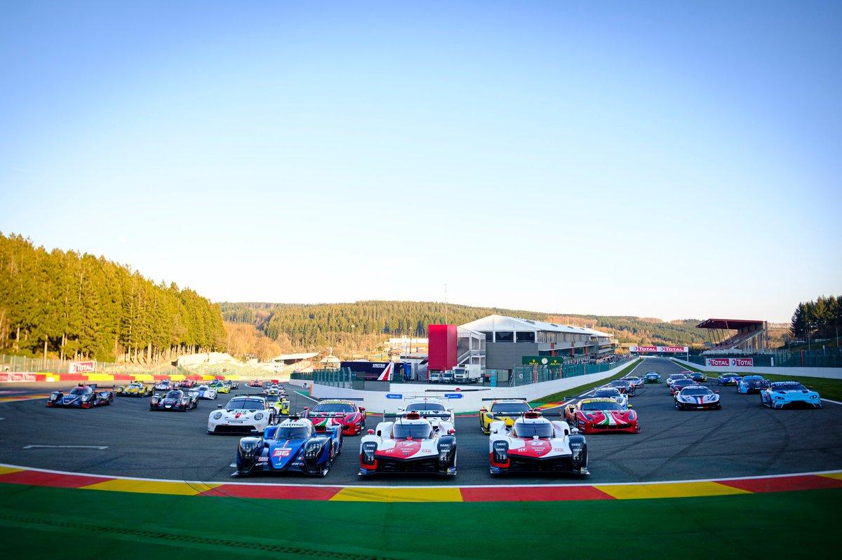 Foto de grupo de los coches del WEC 2021 en Spa