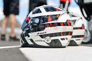 #1 Rebellion Racing Rebellion R-13: Andre Lotterer helmets