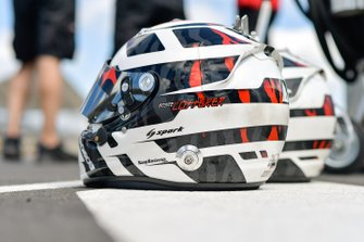#1 Rebellion Racing Rebellion R-13: Andre Lotterer helmets