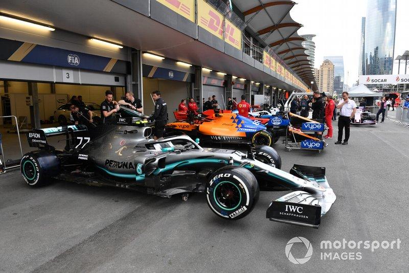 La voiture de Valtteri Bottas, Mercedes AMG W10 lors des vérifications