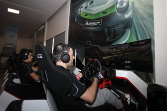 Piloti al simulatore