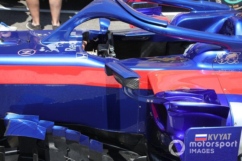 Lateral da Toro Rosso