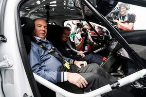 Il Campione del Mondo 2016 di F1, Nico Rosberg, elettrizza le strade di Monaco a bordo di una Jaguar I-PACE eTROPHY, con H.S.H. il Principe Alberto di Monaco, come suo passeggero