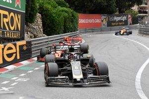 Romain Grosjean, Haas F1 Team VF-19, Charles Leclerc, Ferrari SF90