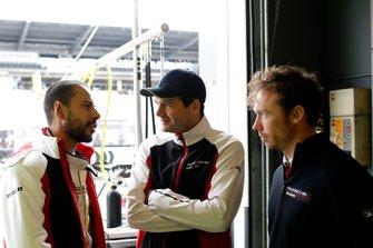#1 Manthey-Racing Porsche 911 GT3 R: Richard Lietz, Frederic Makowiecki, Patrick Pilet