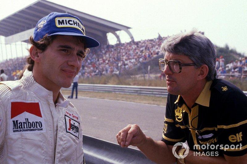 Ayrton Senna, Toleman, en compagnie de Peter Warr, le Team Manager de l'écurie Lotus.