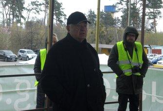 ... традиційно веде незмінний Директор гонки Леонід Іванович Леонов