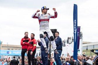 Lucas Di Grassi, Audi Sport ABT Schaeffler, 1st position, jumps on the podium