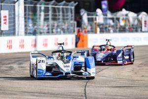 Антониу Феликс да Кошта, BMW i Andretti Motorsport, BMW iFE.18, и Робин Фрейнс, Virgin Racing, Audi e-tron FE05