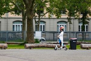 Antonio Felix da Costa, BMW I Andretti Motorsports, on his scooter