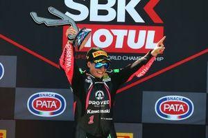 Podium: race winner Ana Carrasco, Kawasaki