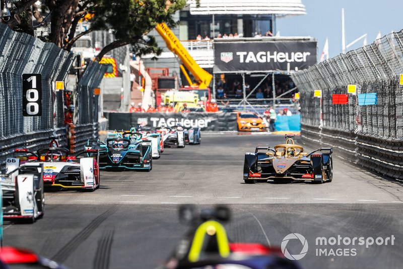 Andre Lotterer, DS TECHEETAH, DS E-Tense FE19 breaks from the field to trigger Attack Mode