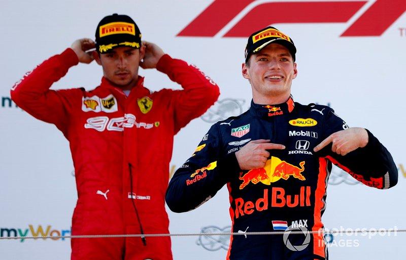 Pero, por tercera vez, una victoria de Red Bull (con Verstappen en Austria) puso fin a la racha de triunfos seguidos de Mercedes, dejándola en 10.