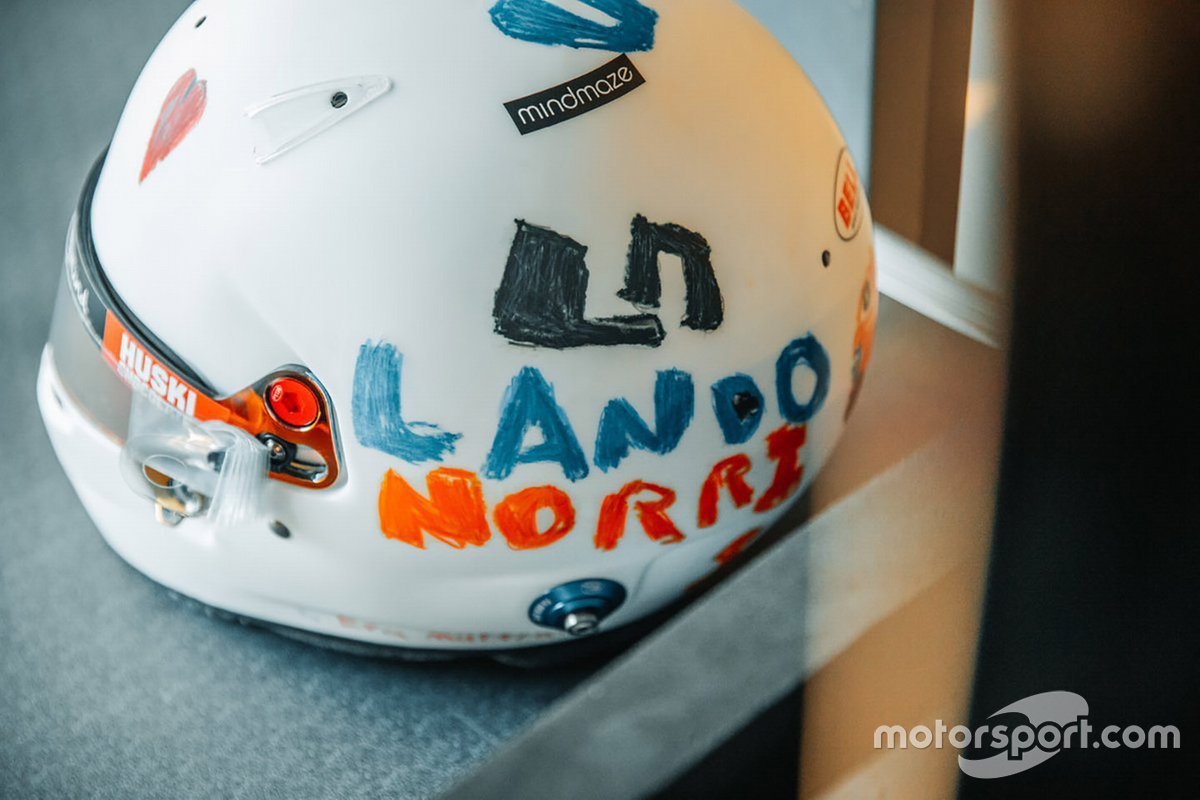 El nuevo casco de Lando Norris, McLaren