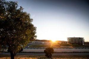 Sonnenuntergang am Algarve International Circuit in Portimao