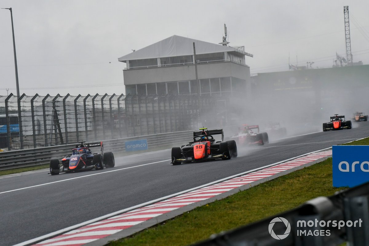 Clement Novalak, Carlin y Bent Viscaal, MP Motorsport