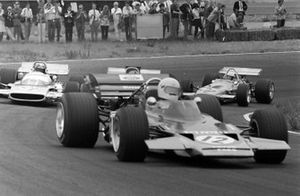 John Miles, Lotus 72B Ford, Jean-Pierre Beltoise, Matra MS120 y Piers Courage, De Tomaso 308 Ford