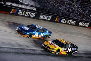 William Byron, Hendrick Motorsports, Chevrolet Camaro Axalta and Clint Bowyer, Stewart-Haas Racing, Ford Mustang Rush Truck Centers/Mobil 1