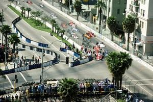 Start zum GP USA-West 1976 in Long Beach: Clay Regazzoni, Ferrari 312T, führt