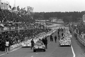 Pedro Rodriguez, Jackie Oliver, Porsche 917 LH, Gerard Larrousse, Vic Elford, Martini Racing Team, Porsche 917 LH
