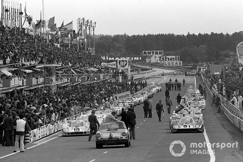 Педро Родригес и Джеки Оливер, Porsche 917 LH, Жерар Лярусс и Вик Элфорд, Martini Racing Team, Porsche 917 LH
