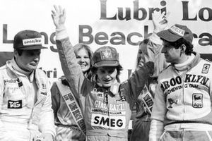 Podium: winnaar Gilles Villeneuve, Ferrari, tweede Jody Scheckter, Ferrari, derde Alan Jones, Williams