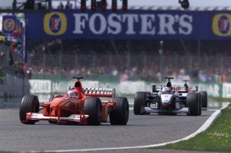 Rubens Barrichello, Ferrari F1-2000, David Coulthard, McLaren MP4/15 Mercedes, Mika Halkkinen, McLaren MP4/15 Mercedes