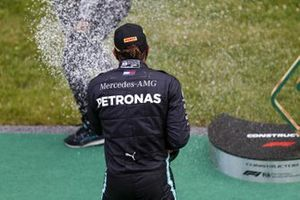 Race winner Lewis Hamilton, Mercedes-AMG celebrates with the champagne