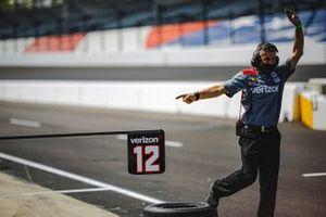 Will Power, Team Penske Chevrolet, crew member