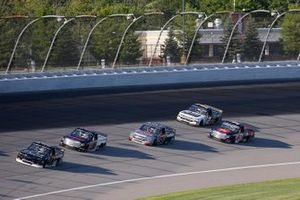 Brett Moffitt, GMS Racing, Chevrolet Silverado, Austin Hill, Hattori Racing Enterprises, Toyota Tundra TRD / United Rentals, Grant Enfinger, ThorSport Racing, Ford F-150 Farm Paint/Curb Records
