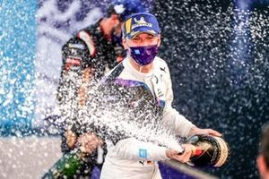 Maximilian Gunther, BMW I Andretti Motorsports celebrates his win on the podium, 1st position
